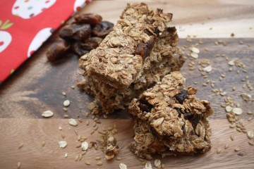 Nutty Cinnamon Flapjack Bars